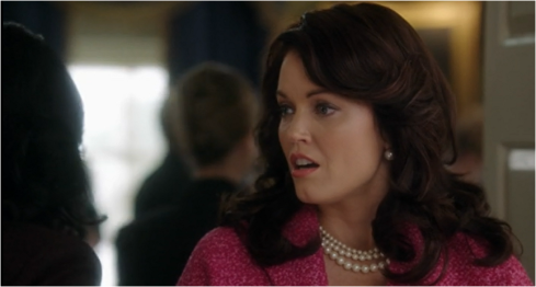 Scandal 3.04 Mellie in pink