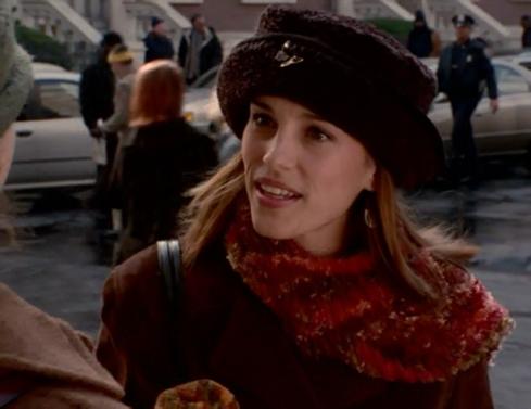 Felicity 1.11 velvet hat