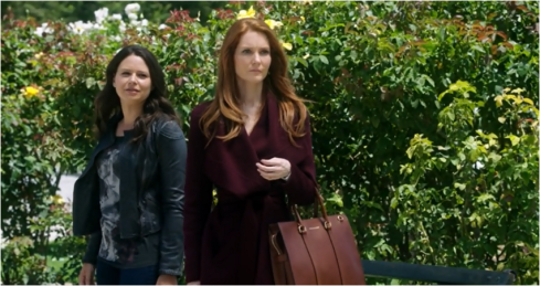 Scandal 4.01 purple coat