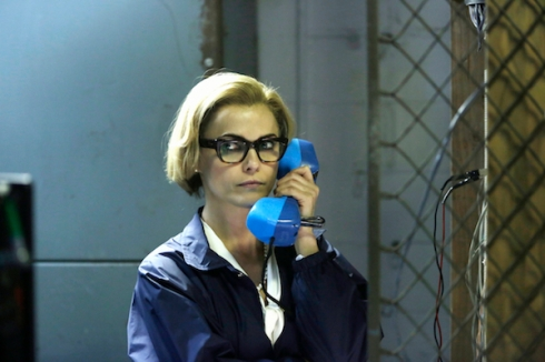The Americans 3.12 big blue phone