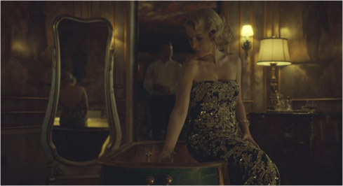 Hannibal 3.01 Bedelia in gold