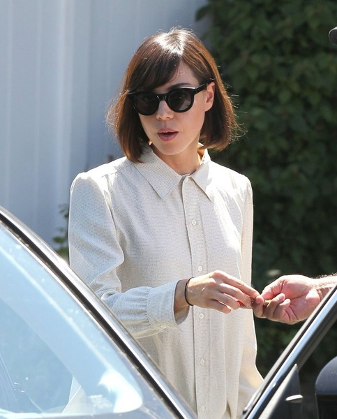 Aubrey Plaza sunglasses