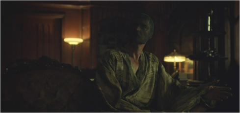 Hannibal 3.12 bathrobe