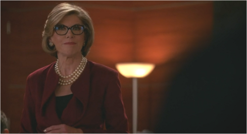The Good Wife 7.09 Diane pearls