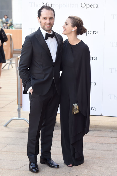 matthew-rhys-and-keri-russell-opera