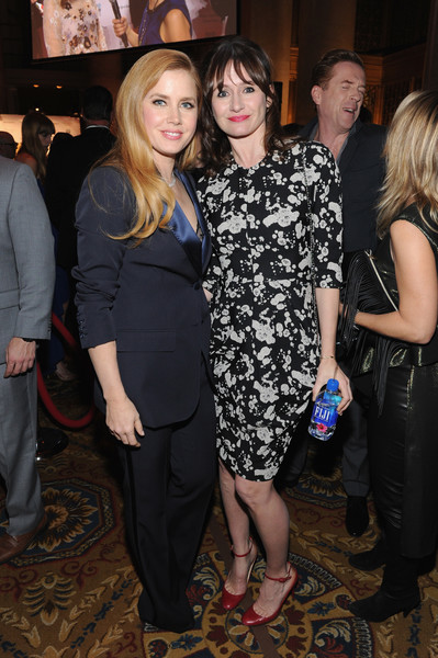 emily-mortimer-and-amy-adams