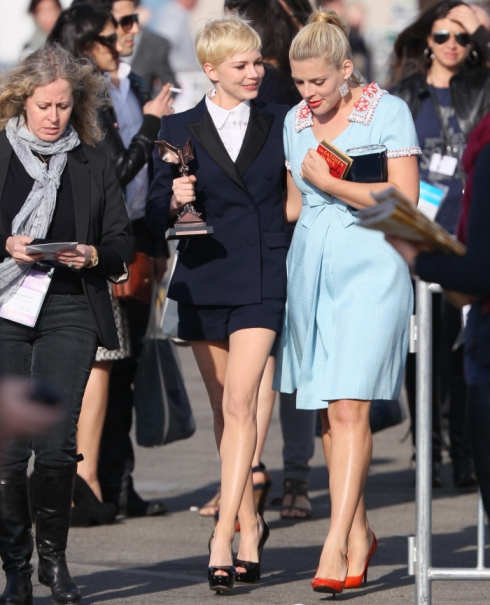 michelle-williams-and-busy-philipps