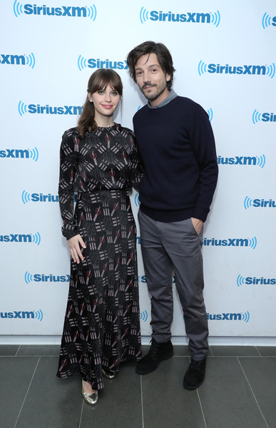 felicity-jones-and-diego-luna